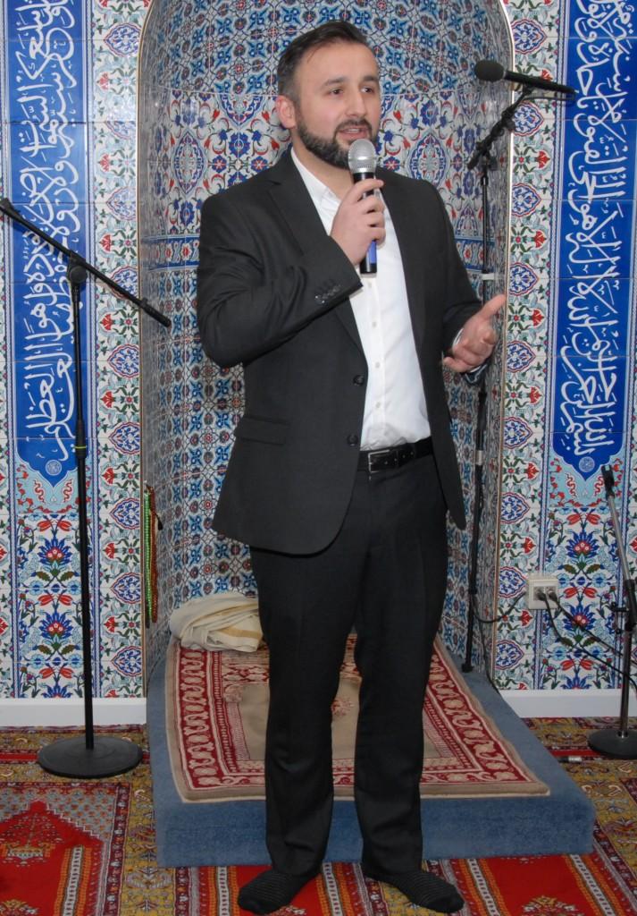 GEÇMİŞLERİMİZİ HAYIRLA ANIYORUZ Arnhem Türkiyem camii yönetim kurulu başkanı Talip Aydemir (1)